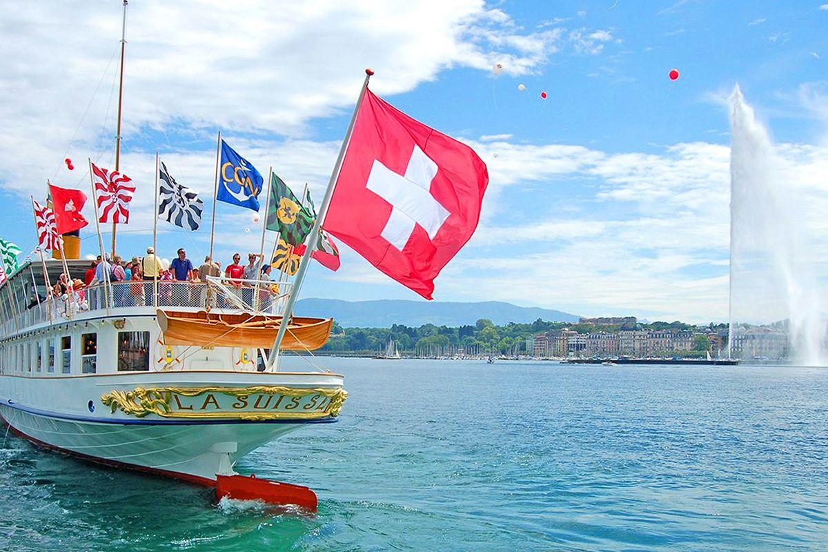Boat cruise Tour